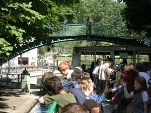 10h30 : Départ du Bassin de la Villette