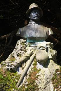 Statue de Marcel Spont