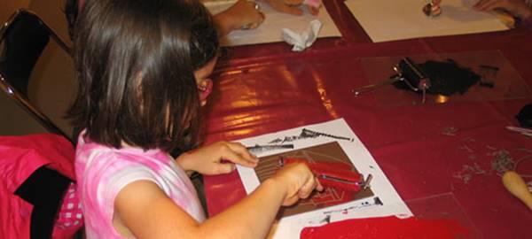 Le club des petits découvreurs (7-12 ans): Papiers collés