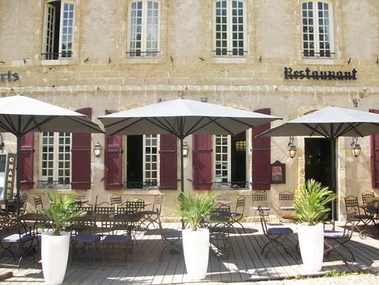 "restaurant ""Les Remparts"""