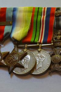 Bourse aux antiquités et souvenirs militaires