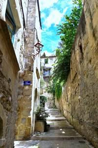 """Sommières, 1ère """"Petites Cités de Caractère"""" dans le Gard"""