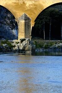 """"""" Les représentations du Dieu Priape sur le Pont du Gard """" Conférence Cyril DUMAS"""