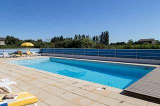 Chambre suite accès direct sur la piscine