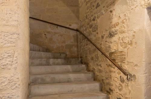 La grande bourgade escalier © DROUIN Gérald