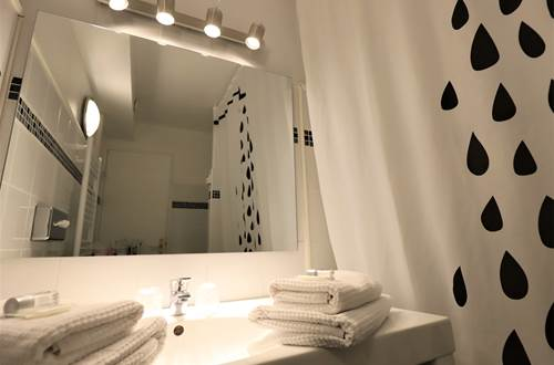 Hotel des Tuileries, Nîmes centre hôtel, proche Arènes de Nîmes ©
