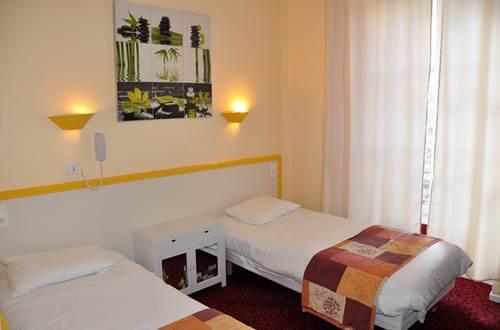 Chambre Jaune HOTEL CESAR ©