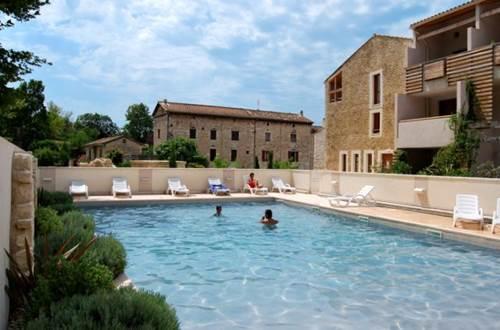 Residence GRAND BLEU LA CLOSERIE Piscine 2 ©