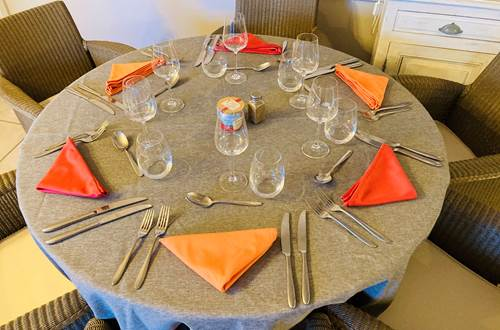 Hotel piscine Restaurant Nimes provence camargue  ©