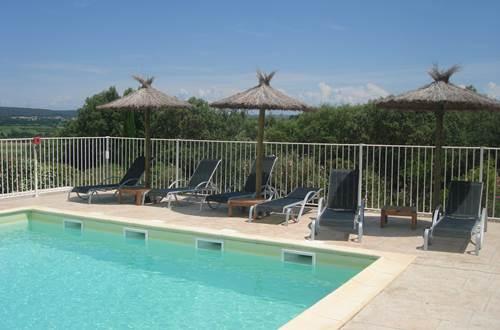 Piscine hotel le Gardon ©