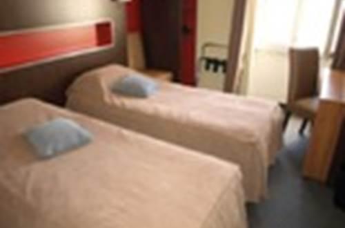 Hôtel LE RICHE Chambre 2 ©