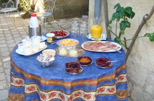 Le richelieu - Uzès petit-déjeuner © Yannick HERVE