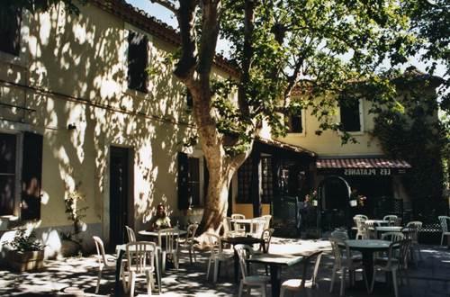 Restaurant de l'hôtel Les Platanes à Aramon ©