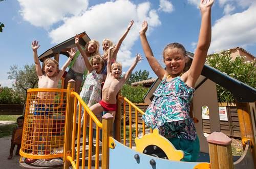Camping Les Amarines - Jeux pour enfants ©