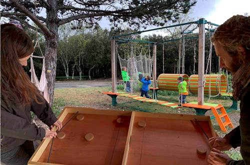 Jeux en bois et plein air © Aven Grotte de la Forestière