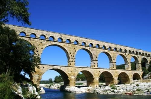 Le Chemin Urbain V - Le Pont du Gard ©