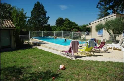 HUBERT Evelyne - Le 7 en Garrigue piscine et salon de jardin © HUBERT Evelyne