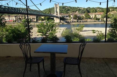 LeDrillo_R_Aiguèze_Terrasse_2018_Provence_Occitane_001 ©