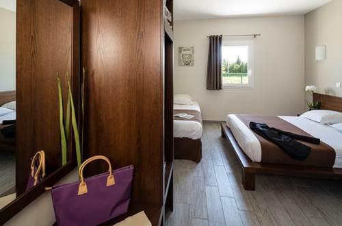 Hôtel Le Ya'Tis - Chambre 1 ©