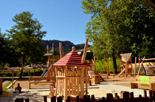 Camping Yelloh Village Le Castel Rose - 01 ©