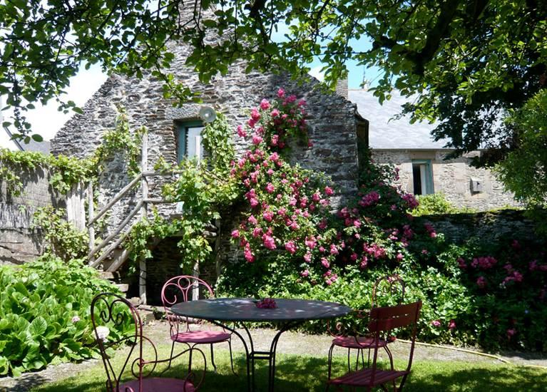 La Seigneurie - dans le jardin
