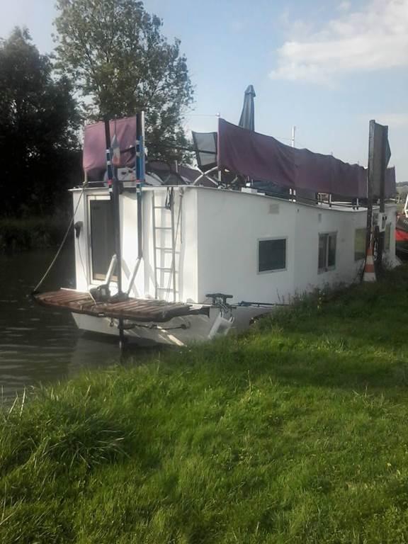 "Gite - Houseboat ""Camille"""